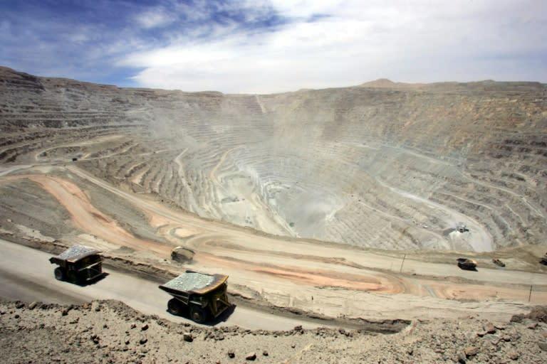 Producción de cobre de Chile en vilo por bloqueos y llamados a huelga