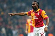 Schalke fail in Drogba protest