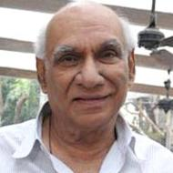 Yash Chopra's Statue To Be Unveiled At Bandstand Walk of Stars
