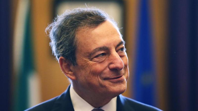 Draghi: Ripresa accelera ma Qe serve ancora; rafforzare eurozona