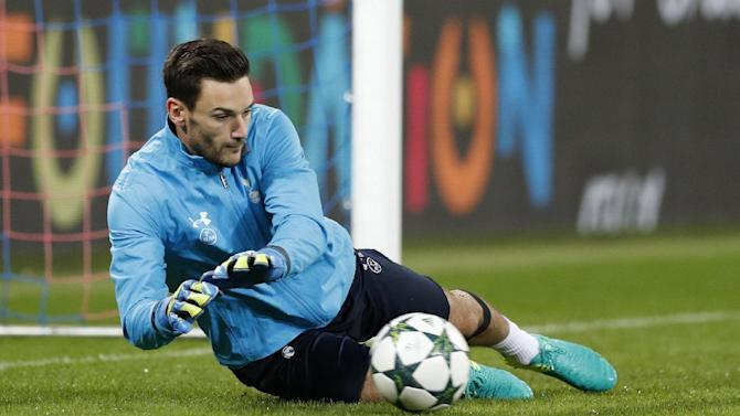 Tottenham's Hugo Lloris warms up before the match