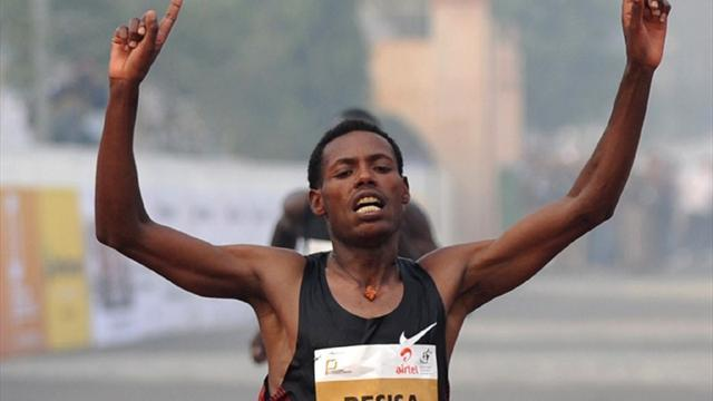 Athletics - Ethiopian athletes take Dubai Marathon spoils
