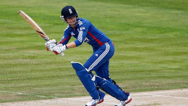 County - Sussex considering Sarah Taylor for men's cricket