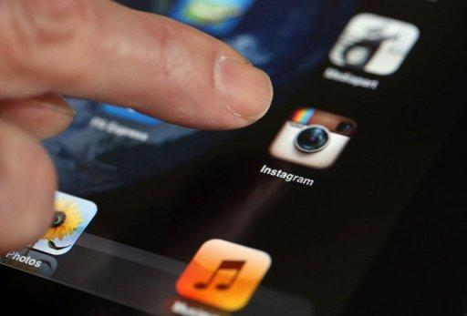 Instagram faced a backlash as users debated whether to dump the smartphone-sharing service due to a rule change giving it a royalty-free, worldwide license to posted images.