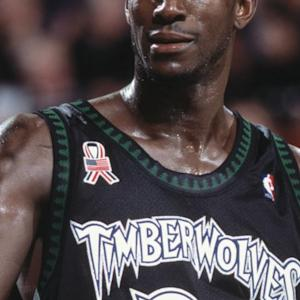Kevin Garnett Will Start For Wolves At Power Forward