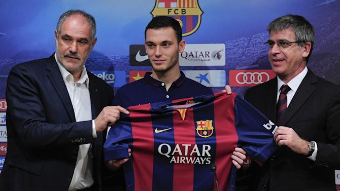 Liga - Barcelona confirm new signing Vermaelen has injury