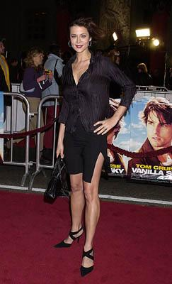 Premiere: Catherine Bell at the Hollywood premiere of Vanilla Sky - 12/10/2001