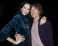 L'Wren Scott Death: Strange Photo of Hanging Dresses on Tree Posted on Facebook