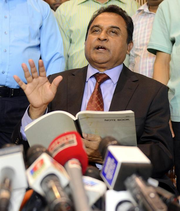 DHAKA, April 1, 2015 (Xinhua) -- The International Cricket Council (ICC) President AHM Mustafa Kamal speaks to media after he arrived at Hazrat Shahjalal International Airport in Dhaka, Bangladesh, Ap