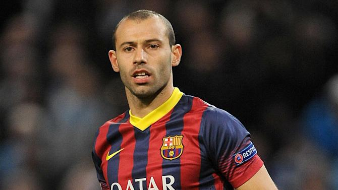 Liga - Mascherano signs Barcelona extension