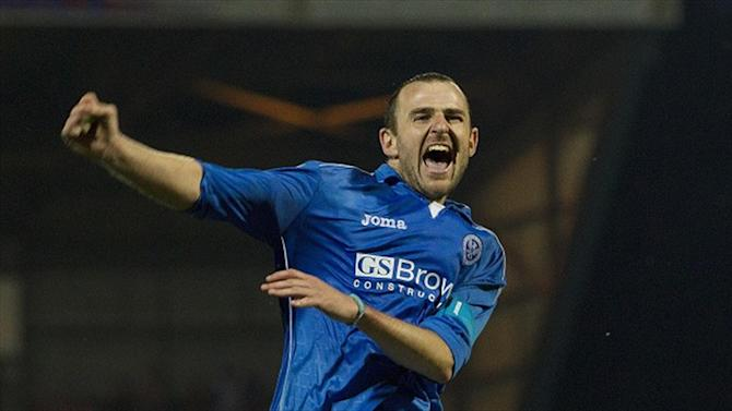 Football - St Johnstone celebrate Caley's win