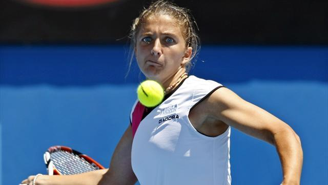 Tennis - Errani and Flipkens through in Paris