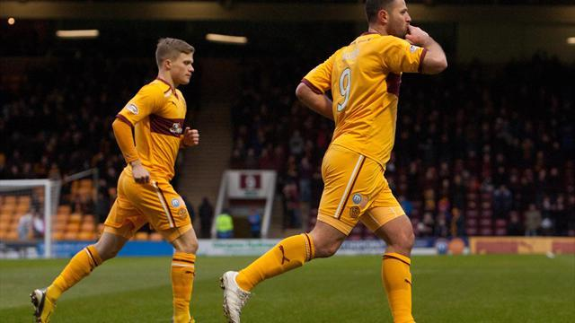 Scottish Football - Higdon hat-trick sinks Saints