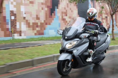 【AOL影音企劃】SUZUKI BURGMAN EXECUTIVE