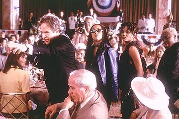 Warren Beatty , Michele Morgan (II) , Halle Berry and Ariyan Johnson in 20th Century Fox's Bulworth