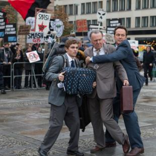 'Unfinished Business' Review: Vince Vaughn and Company Find Some Laughs But Never Close the Deal