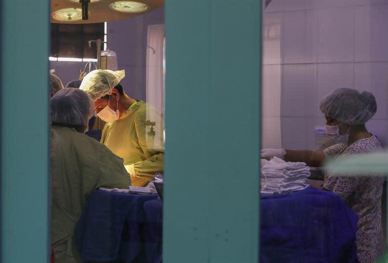 La cooperación española forma a los médicos por los que apuesta Bolivia