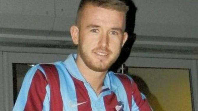 Paddy Madden completes move to Scunthorpe United