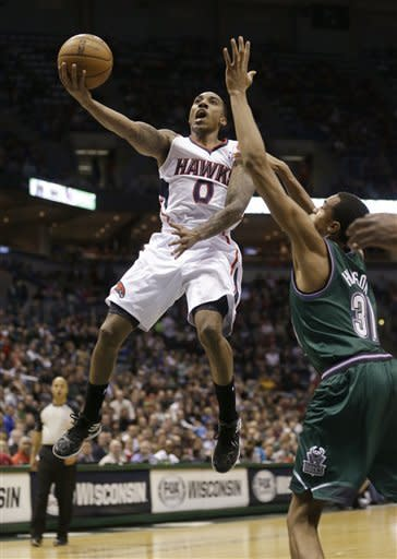 Horford's late bucket lifts Hawks over Bucks