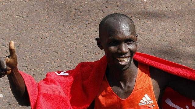Athletics - Kipsang smashes marathon world record in Berlin win