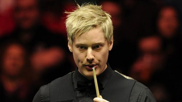 Snooker - Robertson beats struggling Murphy in Masters semi