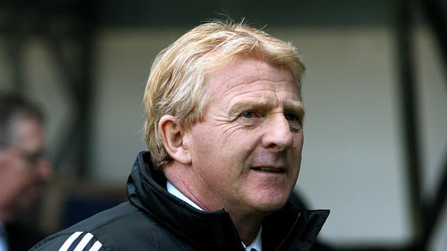 Scottish Football - Strachan, Coyle eye Scotland job