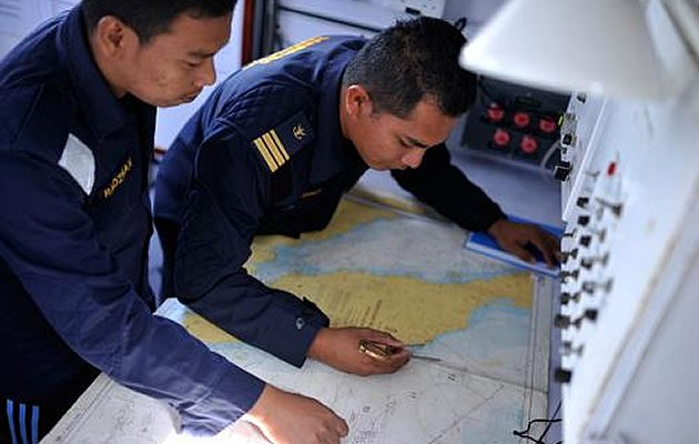 American investigators suspect that Malaysia Airlines flight MH370 stayed in the air for about four hours past the time it reached its last confirmed location, the Wall Street Journal reported today. (Malaysian Insider photo)