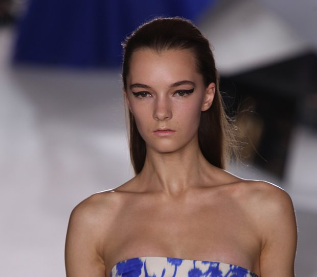 Beauty-trends-2014-eyeliner-Giambattista-Valli-1