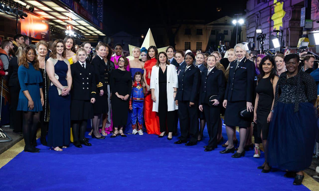 <p>英國時間2019年2月27日,在英國倫敦舉辦的《驚奇隊長》首映上,陳靜、拉沙納林區、布麗拉森和維多莉亞艾倫索和眾家英雄一起合照。(圖/StillMoving.net for Disney) </p>