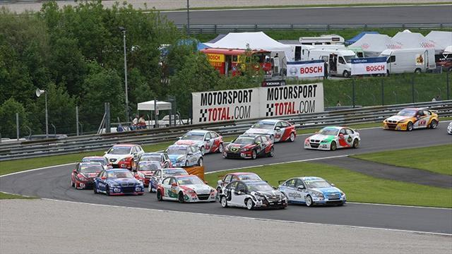 WTCC - Nykjaer holds off Nash to win race one in Austria