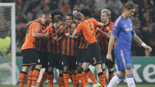 Champions League - Shakhtar condemn Chelsea to defeat