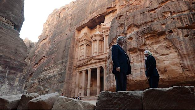 Raw Video: Harper visits historic Jordan site of Petra