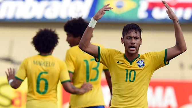 World Cup - Brazil feel familiar weight of expectation