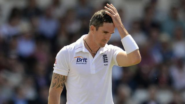 No central contract for Pietersen