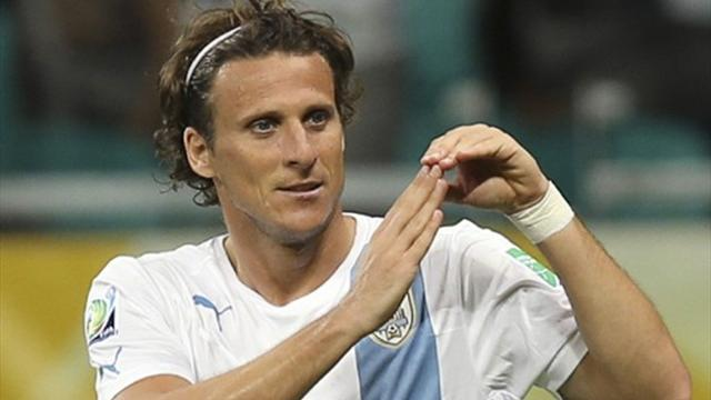 Confederations Cup - Uruguay coach Tabarez hails Forlan impact
