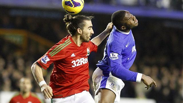 Football - Swans hold firm at Goodison