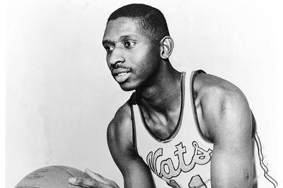 Earl Lloyd, first black player in NBA history, dies at 86