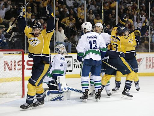 Canucks win 2nd straight, beat Predators 5-4 in shootout