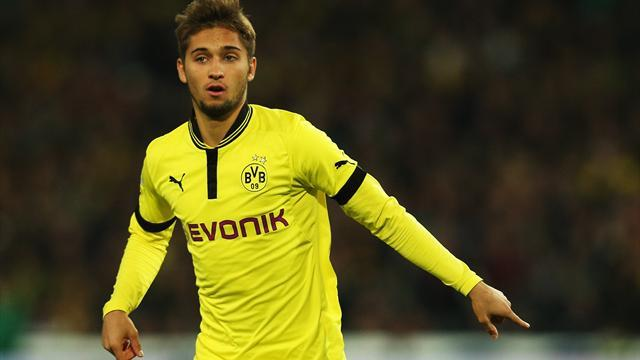 Bundesliga - Dortmund's Leitner extends deal, loaned to Stuttgart