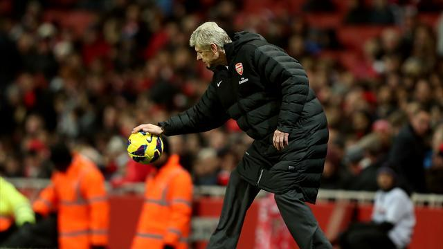 Football - Wenger slams 'wrong information'