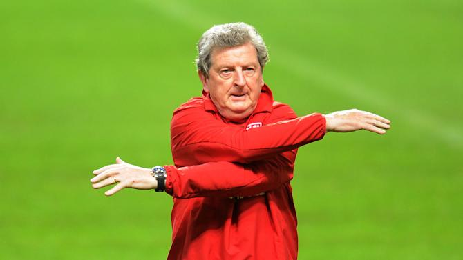 Roy Hodgson only wants players who are 100% committed to playing for England