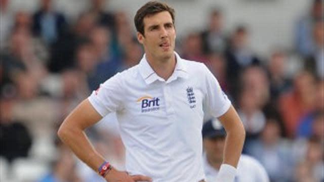 Cricket - Finn losing first Test fitness battle