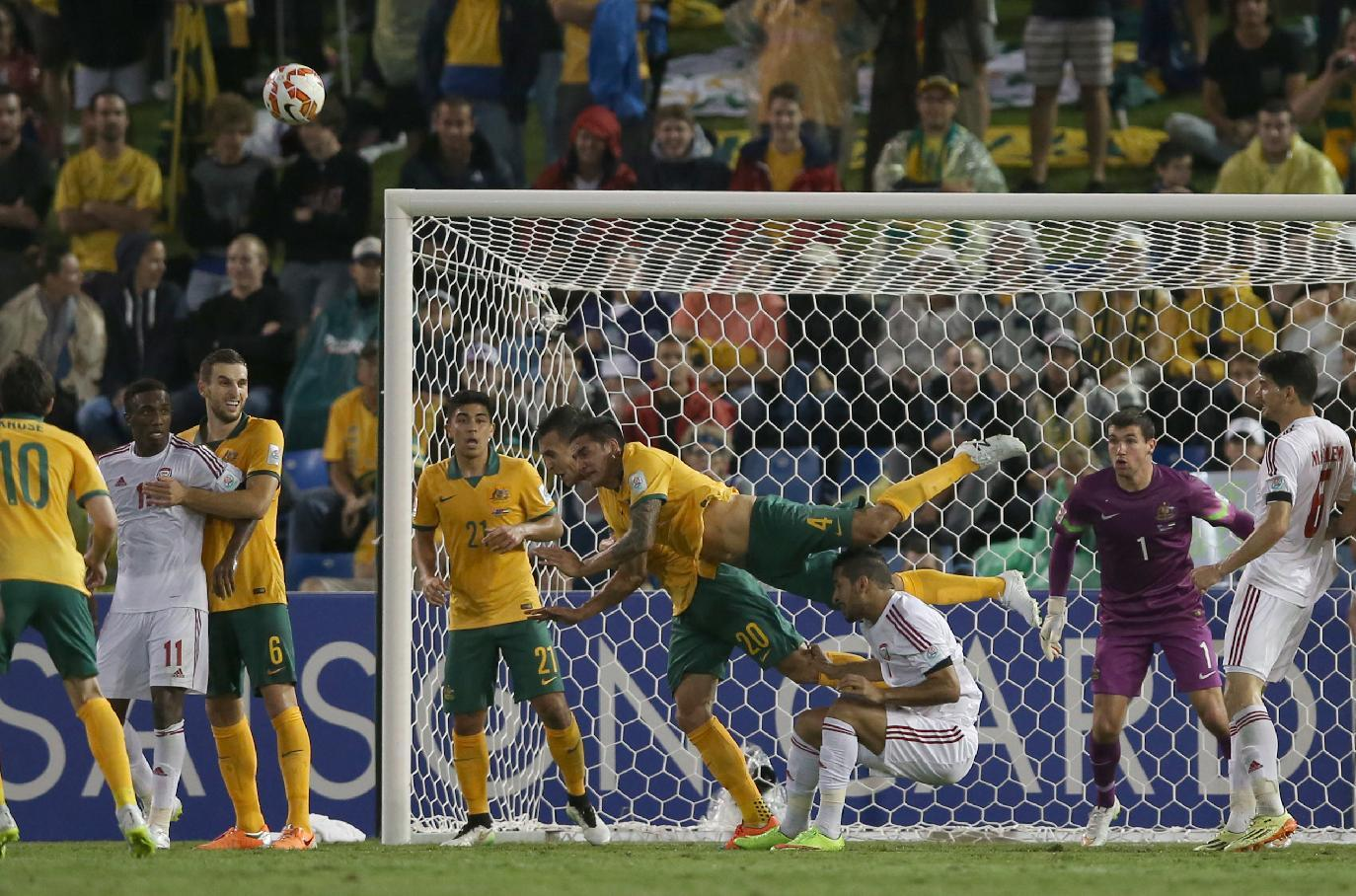 Cahill carrying hopes of host nation at Asian Cup