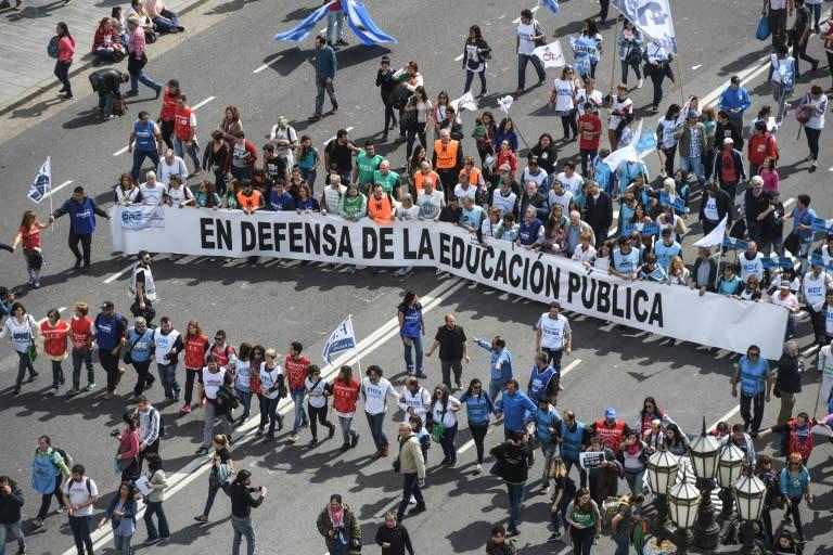 Argentina está repleta de manifestaciones contra la austeridad fiscal y el creciente costo de vida