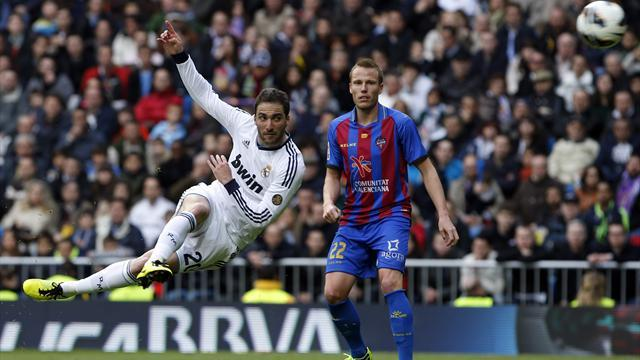 Spanish Liga - Real Madrid put five past Levante