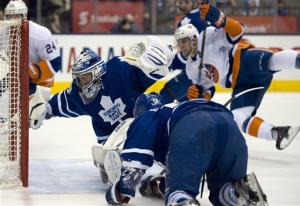 Tavares and Isles beat Leafs 5-3
