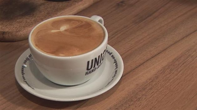 Is it a caffe latte or just a really, really milky coffee?
