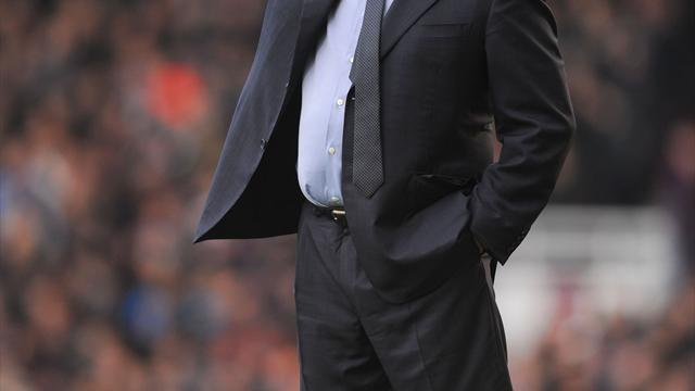 Football - Benitez plots path to glory for Chelsea