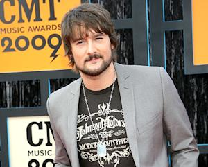 Eric Church Disses The Voice, Blake Shelton and American Idol