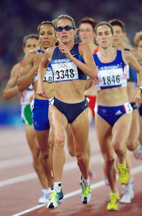 28 Sep 2000: Suzy Favor Hamilton of the USA leads the Womens 1500m Semi-Final at the Olympic Stadium on Day 13 of the Sydney 2000 Olympic Games in Sydney, Australia. \ Mandatory Credit: Michael Steele